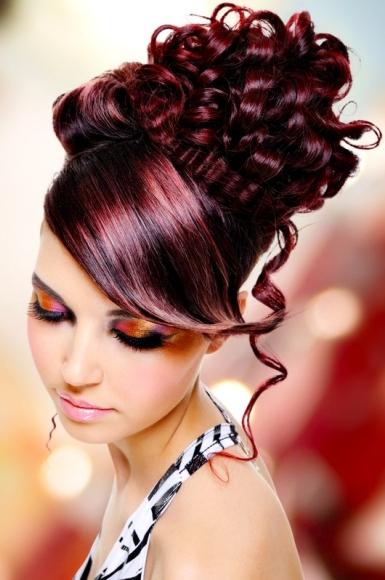 Ukher Com Women S Updo Hairstyles For A New Look Or Sophisticated Style